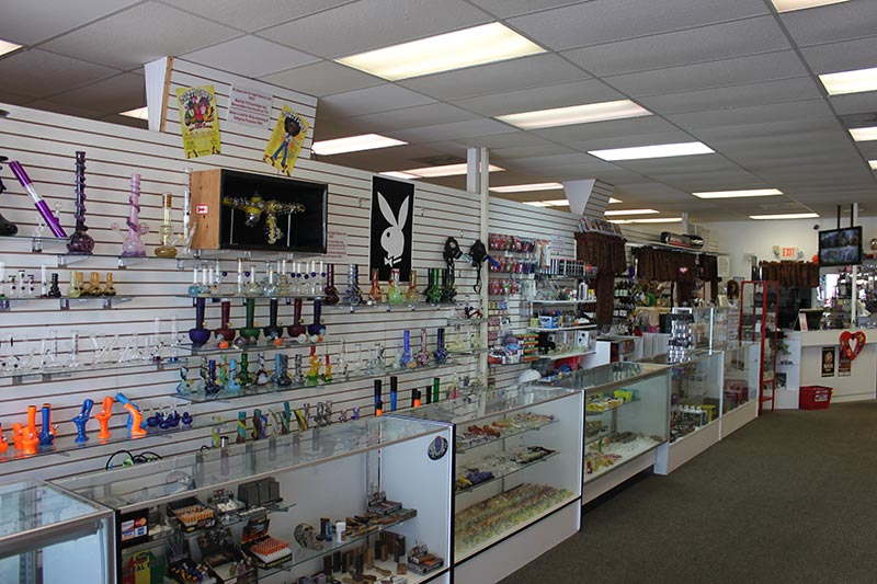 Love Stuff, Auburn Storefront - Smoking Accessories
